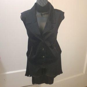 Disney Alice Through the looking Glass vest XL